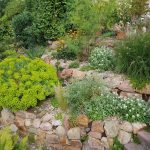 Mauern – so vielfältig wie die Gärten, in denen sie stehen